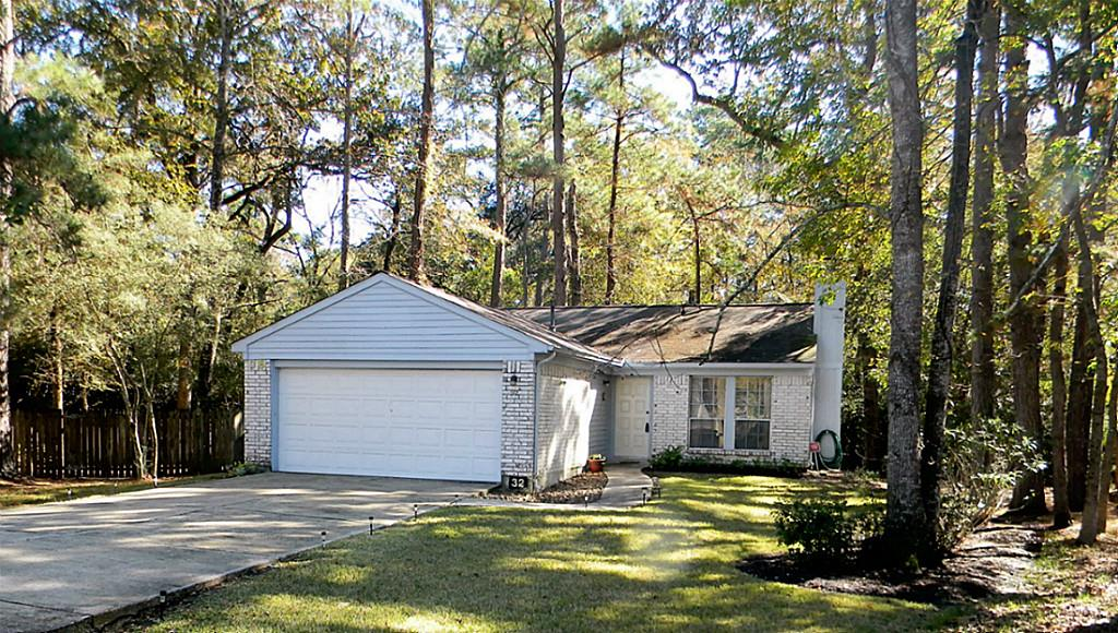 Photo of 32 N Circlewood Glen  The Woodlands  TX