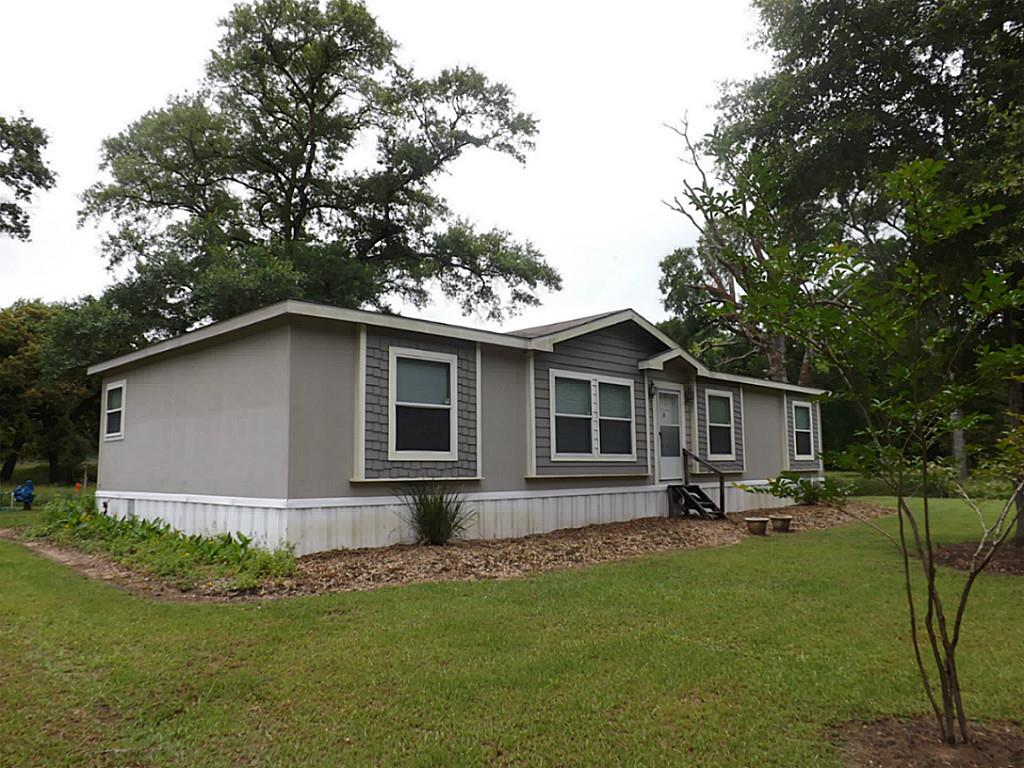 Photo of 7187 County Road 132  Hallettsville  TX