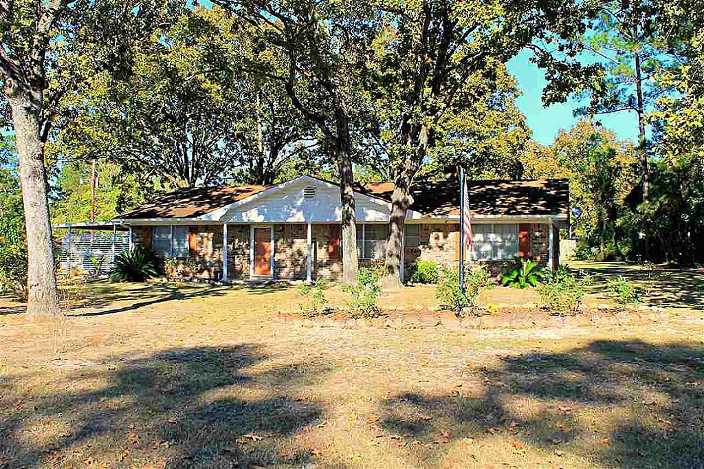 Photo of 281 Parkside Loop  Brookeland  TX