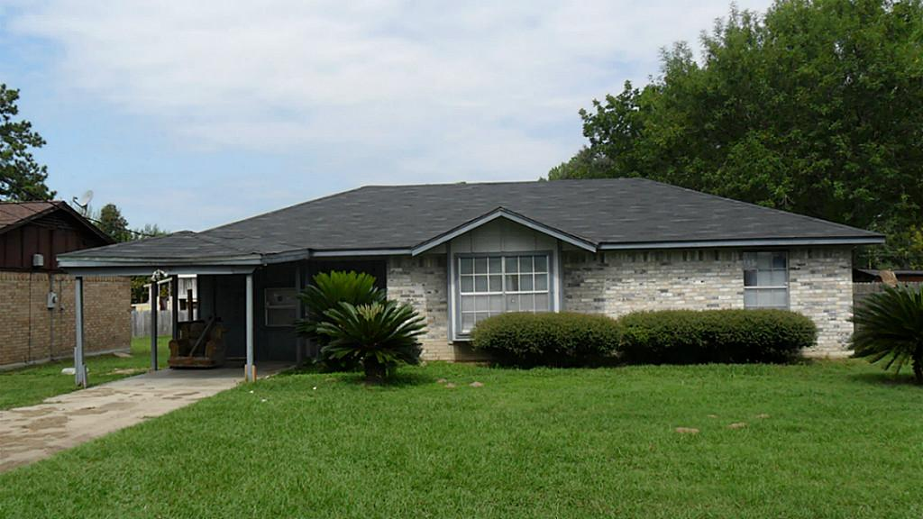 207 County Line Rd, Willis, TX 77378