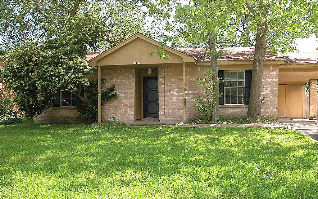 Photo of 1002 Surrey Court  Tomball  TX