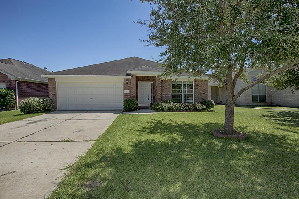 Photo of 723 Chase View Drive  Bacliff  TX