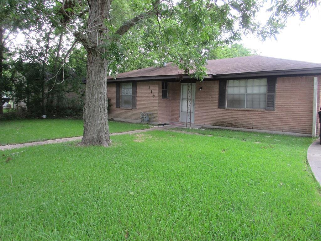 Photo of 110 E Union Street  Eagle Lake  TX