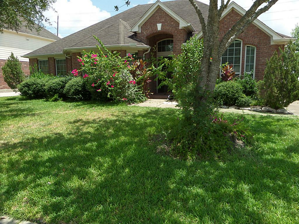Photo of 2511 Sunray Court  Pearland  TX