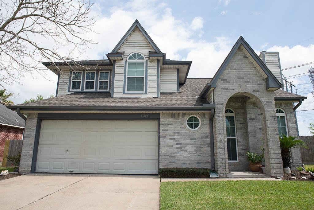 Photo of 1309 Carefree Drive  League City  TX
