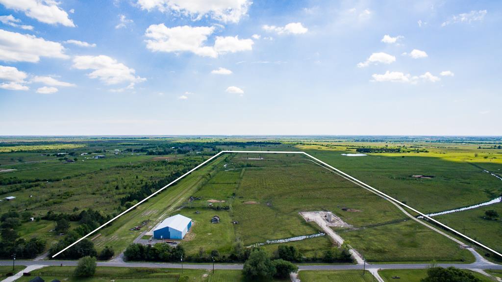 Photo of 13523 Shellhammer Road  Winnie  TX
