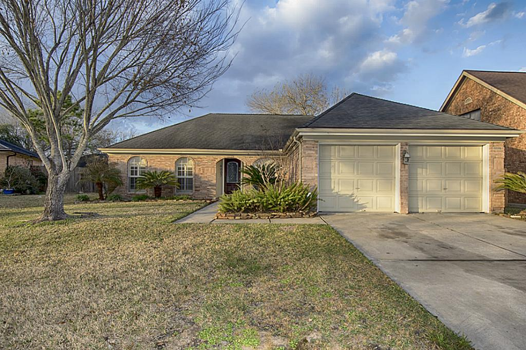 Photo of 4007 Lotus Drive  Pearland  TX