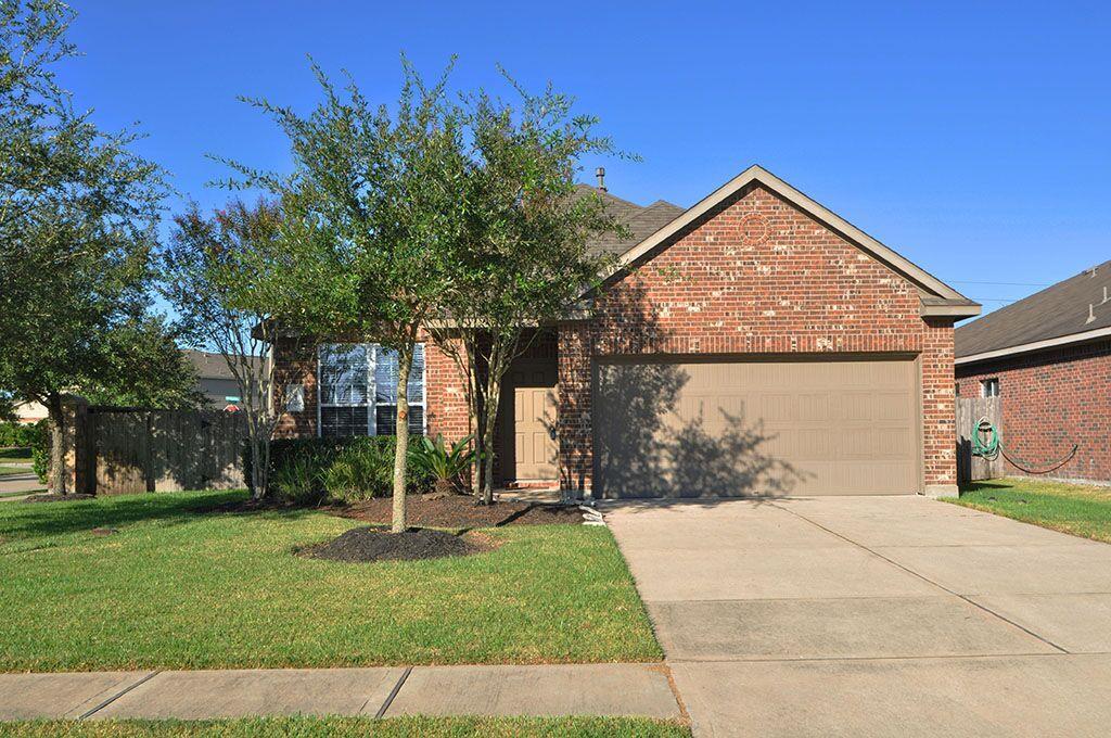 Photo of 6826 Ridgewood Lane  League City  TX