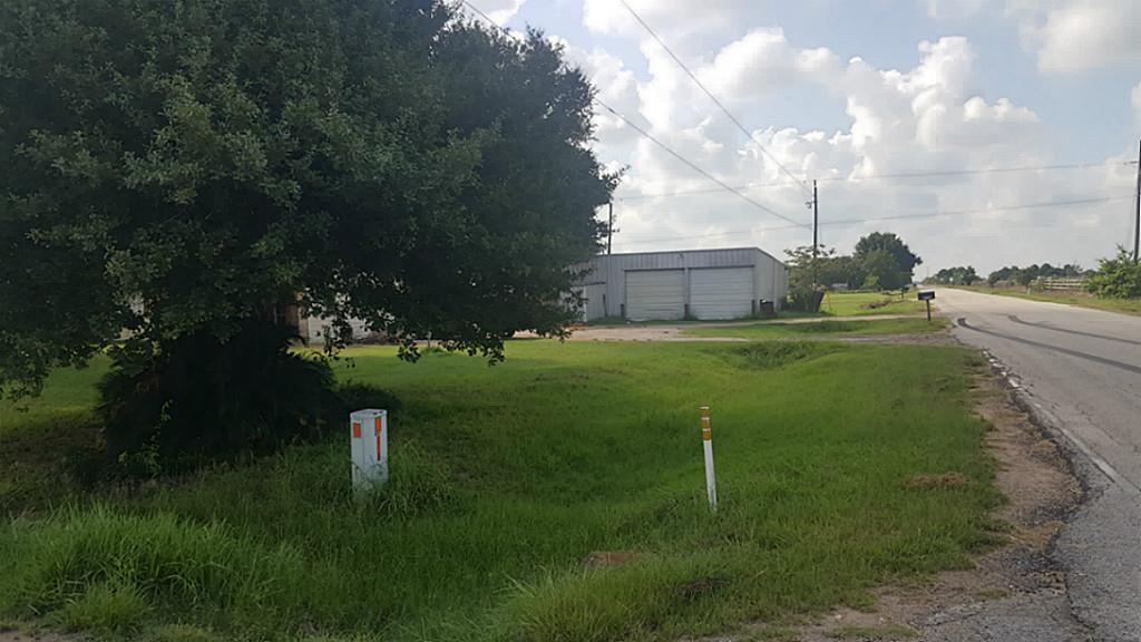 Photo of 18118 Domino Road  Waller  TX
