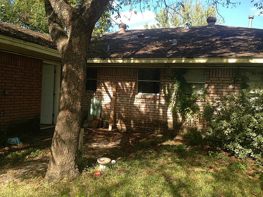 Photo of 6513 Shadow Crest Street  Houston  TX