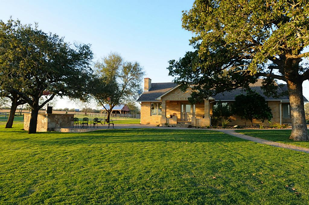 Photo of 3295 Pettytown Road  Dale  TX