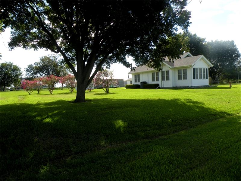 Photo of 3629 FM 2502  Bleiblerville  TX