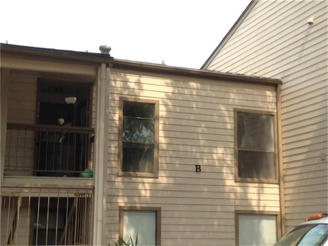 Photo of 204 Lakeview Ter  Conroe  TX