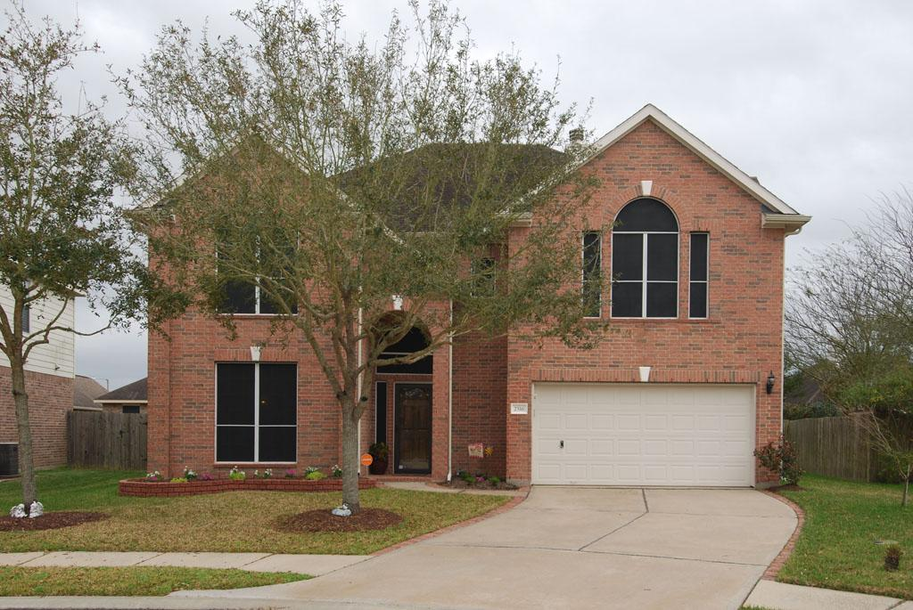 2516 Royal Terns Ct, League City, TX 77573