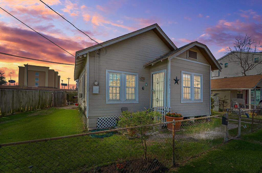 Photo of 2103 Sherwin Street  Houston  TX