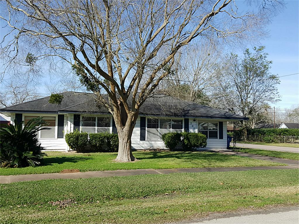Photo of 200 S Ringgold Street  West Columbia  TX