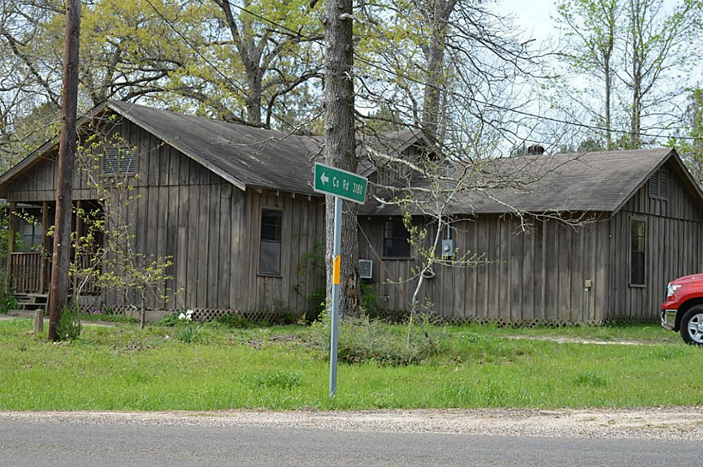 Photo of 5885 County Road 3065  Colmesneil  TX