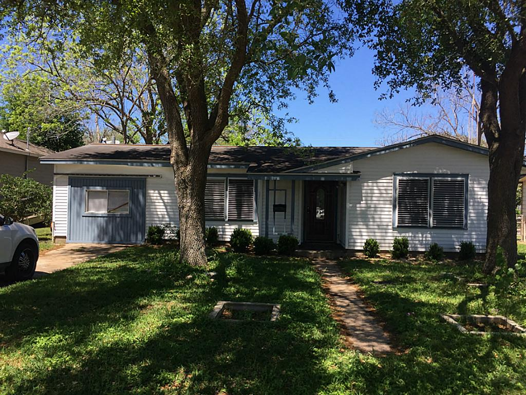 Photo of 408 Chip Street  La Marque  TX