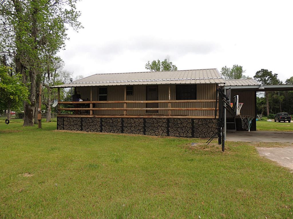 Photo of 586 County Road 142  Liberty  TX