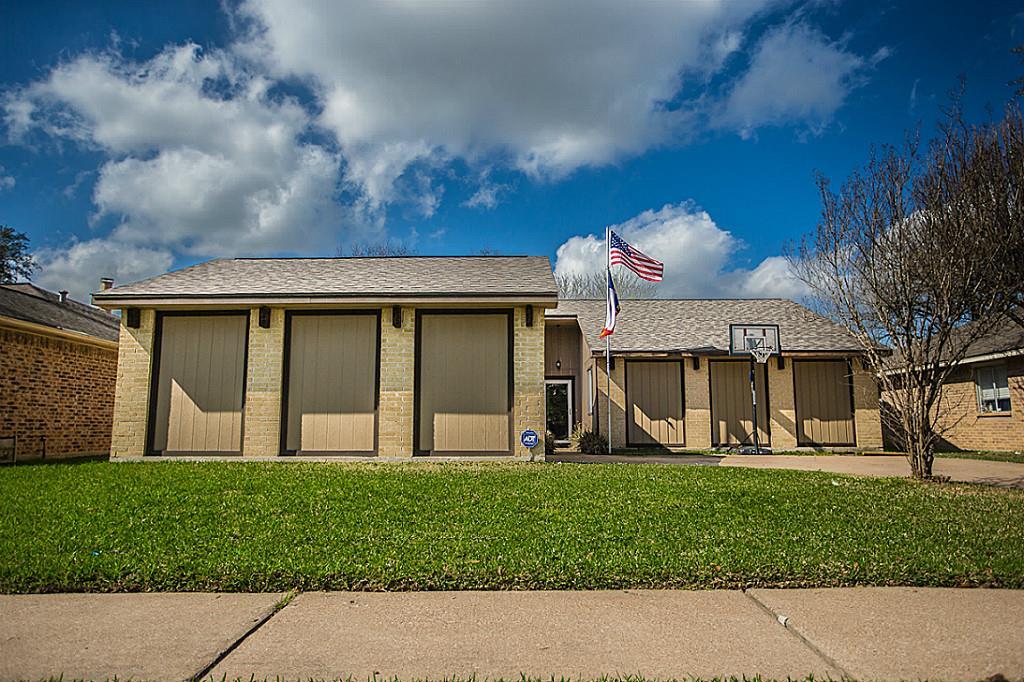 Photo of 10315 Den Oak Drive  Houston  TX