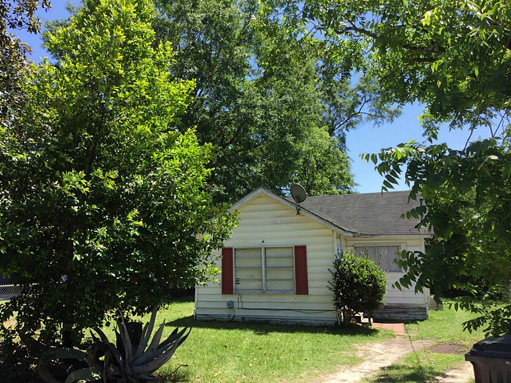 Photo of 1407 Pavillion  Woodville  TX