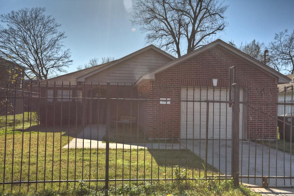 Photo of 2816 Berry Street  Houston  TX