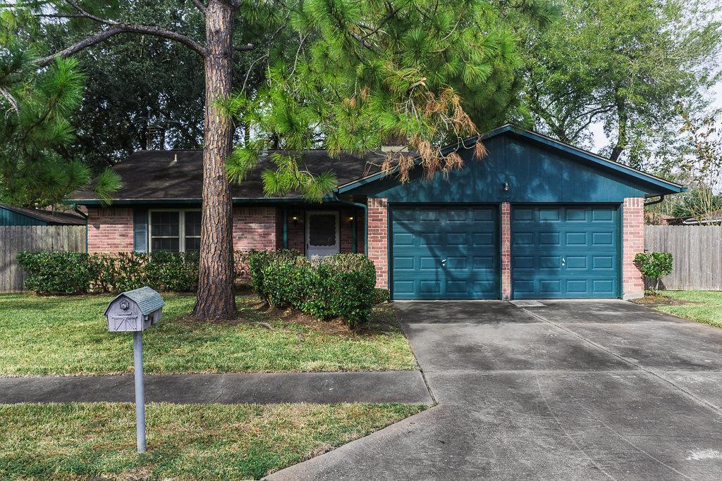 Photo of 2408 Goodrich Street  Pearland  TX