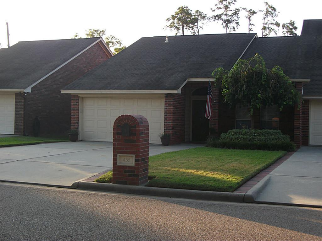 Photo of 435 N Rivershire Drive  Conroe  TX