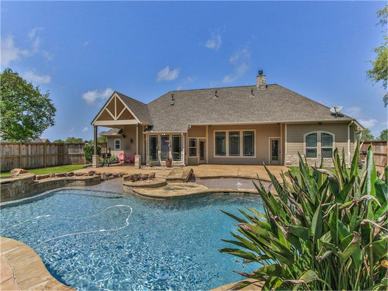 Photo of 15511 Bayou Oaks Drive  Danbury  TX