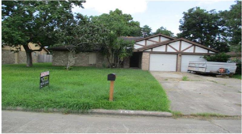 Photo of 153 Bastrop Street  Angleton  TX