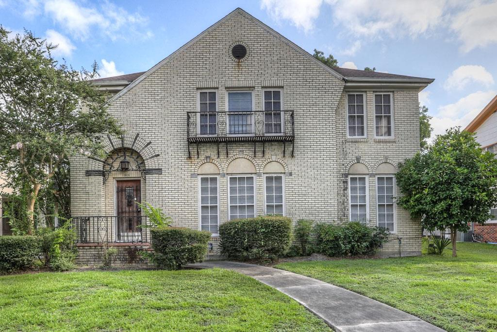Photo of 1606 W Alabama Street  Houston  TX