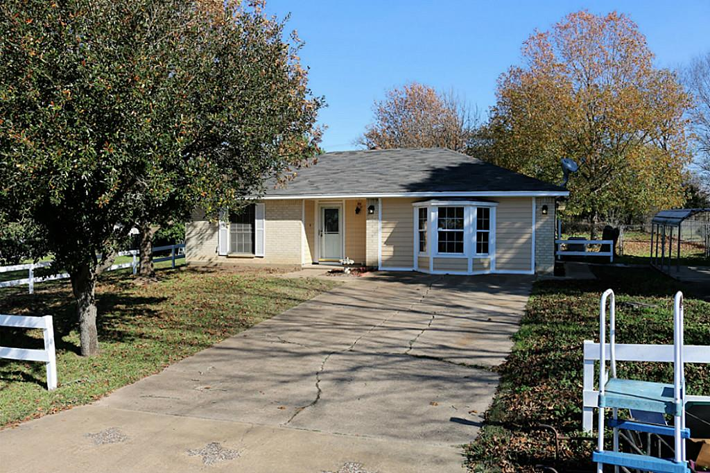 Photo of 412 Park Hill Drive  Madisonville  TX