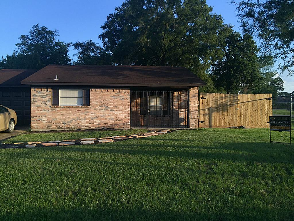 Photo of 615 Cypress Avenue  Crosby  TX