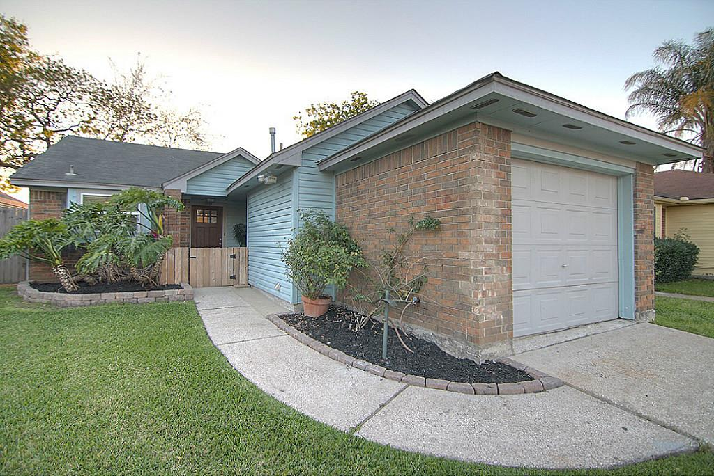 Photo of 1131 Somercotes Lane  Channelview  TX