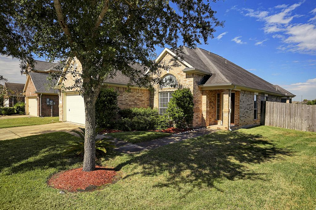 Photo of 3423 Highland Point Lane  Pearland  TX