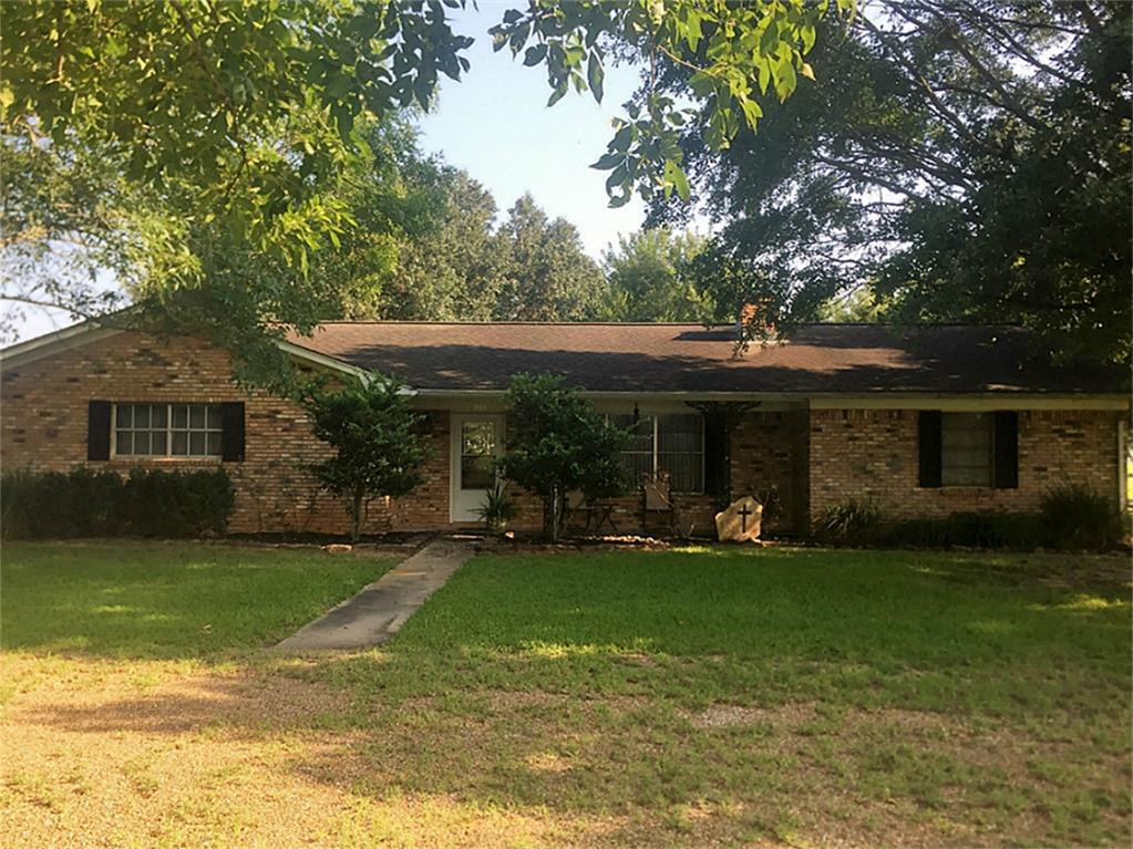Photo of 1880 County Road 382  Louise  TX