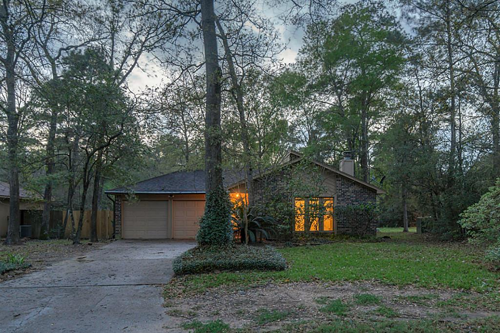 Photo of 4 Green Haven Drive  The Woodlands  TX