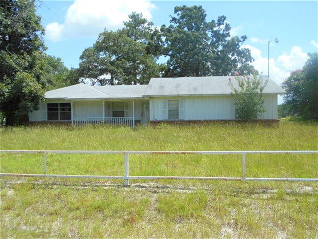 Photo of 921 S Market Street  Grapeland  TX