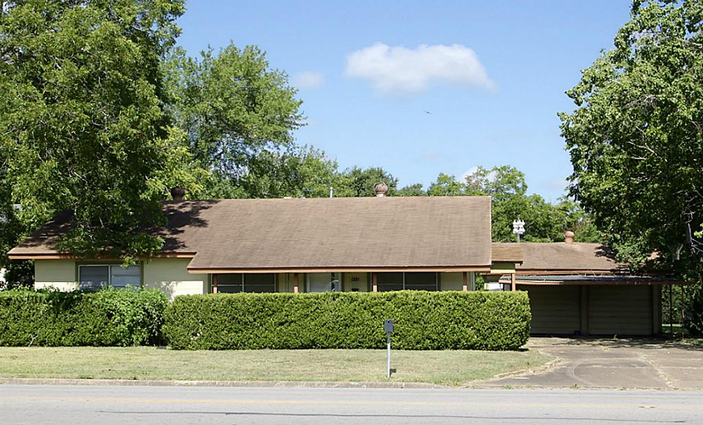 Photo of 511 N Center  Weimar  TX