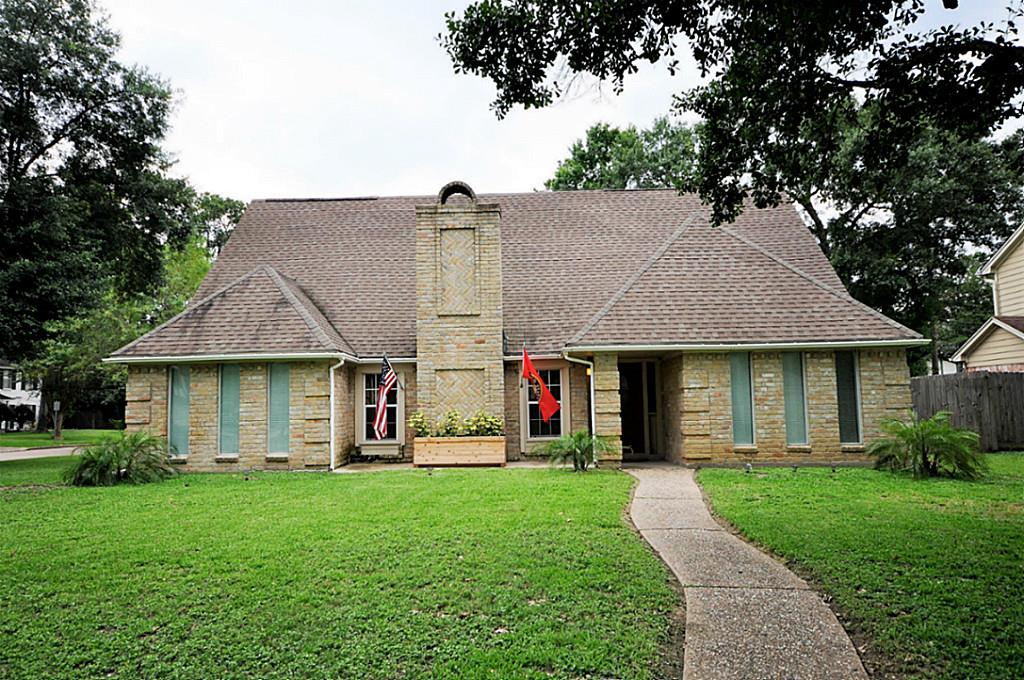 Photo of 14903 Pebble Bend  Houston  TX