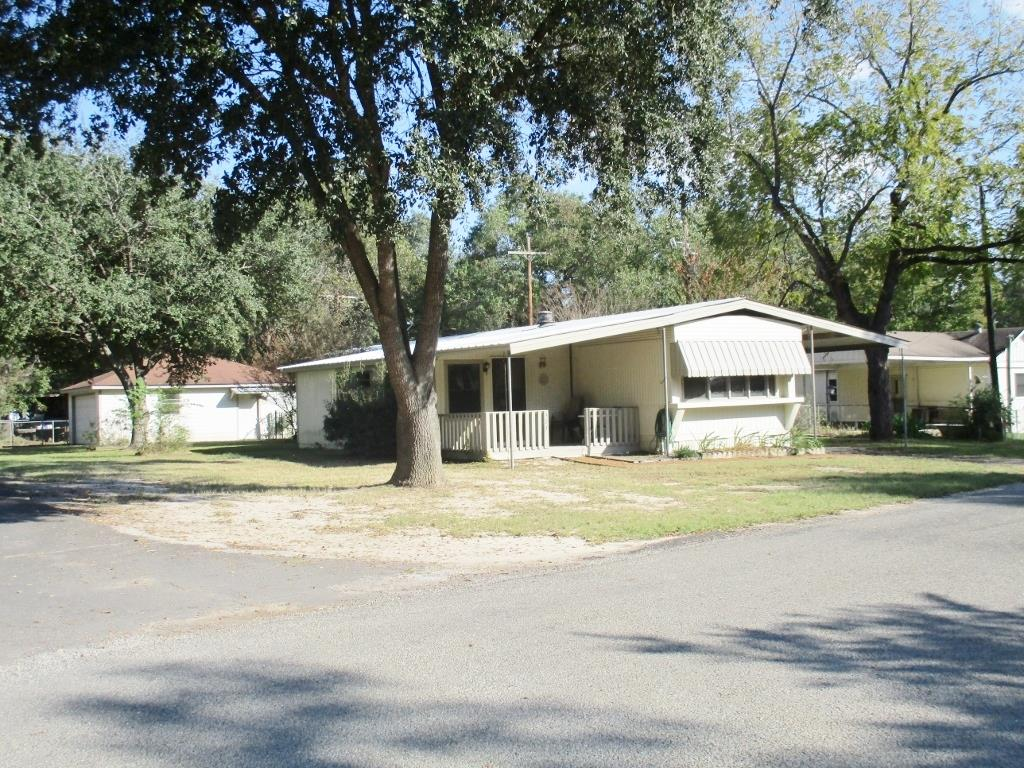 Photo of 327 Lakewood Drive  Trinity  TX