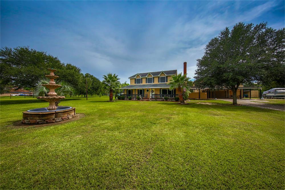 Photo of 21703 Lake View  Damon  TX