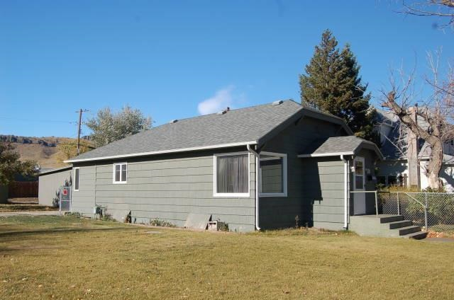203 1st St N, Cascade, MT 59421