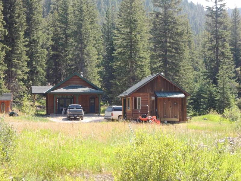 7064 Stemple Pass Rd, Lincoln, MT 59639