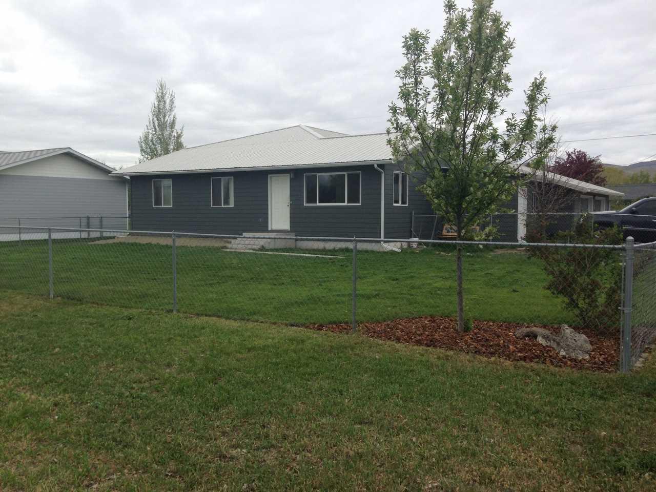 400 S Walnut St, Townsend, MT 59644