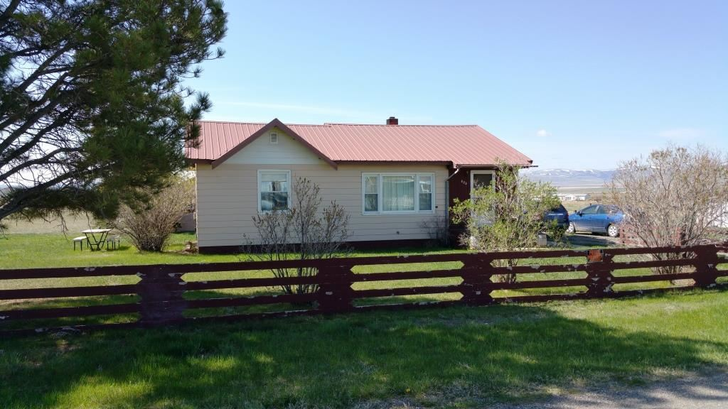 404 W South St, White Sulphur Springs, MT 59645