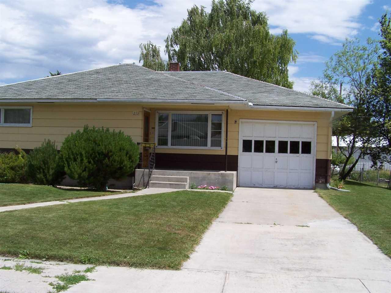 211 S Oak St, Townsend, MT 59644