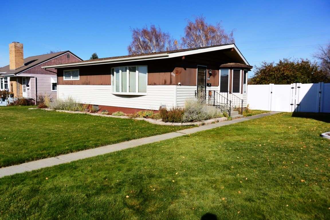 809 Pennsylvania Ave, Deer Lodge, MT 59722