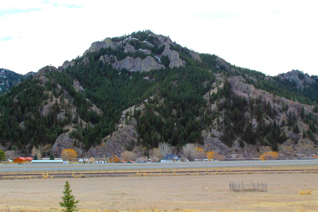 60 High Noon Ln, Cascade, MT 59421