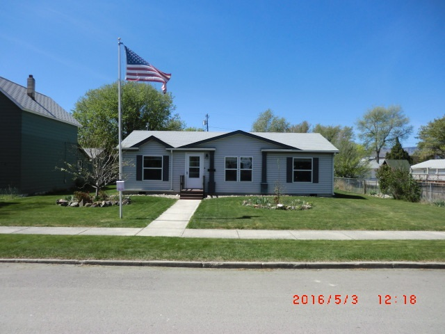 130 S Oak St, Townsend, MT 59644
